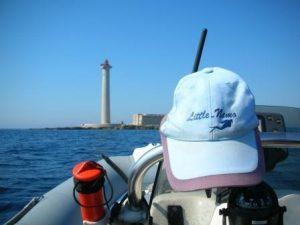 Little Nemo plonge du bord sur le phare du planier